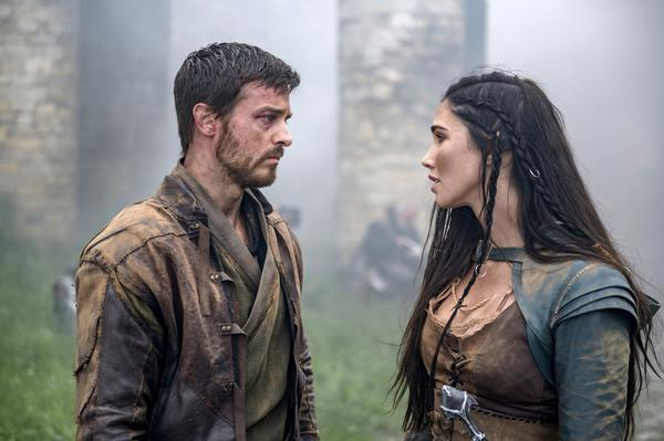 Cena do 13º episodio da 2ª temporada de The Outpost (Divulgação: SYFY)